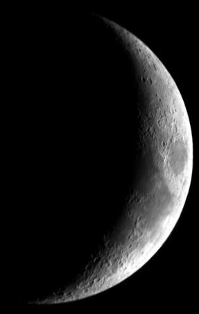 moon010228.jpg
